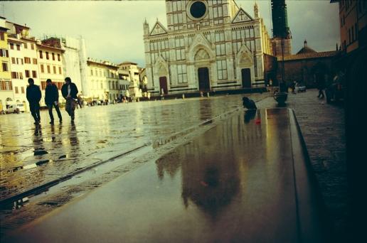specchi, Piazza Santa Croce, Firenze, marzo 2006