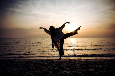 danzando al suono delle onde, Cala Violina, Grosseto, Marzo 2014