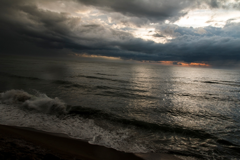 Viareggio in tempesta, Molo di Levante, 14 febbraio 2015